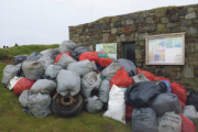 Huge turnout to clean the beach