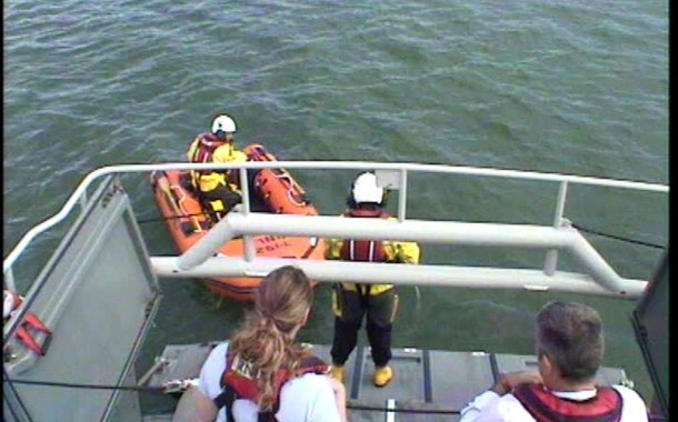 Angle RNLI lifeboat is alerted to RIB aground